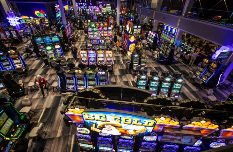 What Everyone Seems To Be Saying About Gambling Is Lifeless